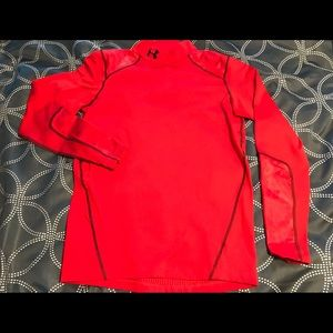 Men's Under Armour fitted red shirt size M
